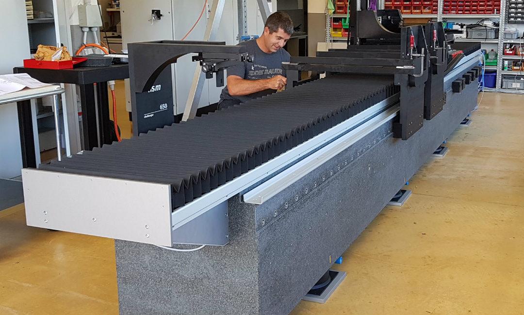 Montage von nsm Flaggschiff challenger 650 für einen Kunden aus der Automobilindustrie